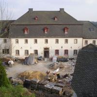 Das Burghaus wird umgebaut und saniert. 2007