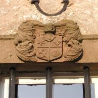 Wappen am Fenster des Hauses Palland-Jovy